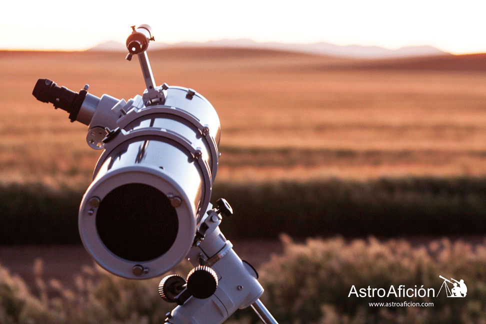 Telescopio-o-prismáticos